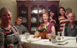 Du học sinh sống chung với gia đình địa phương