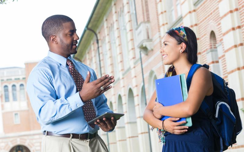 Tạo mối quan hệ sinh viên - giảng viên