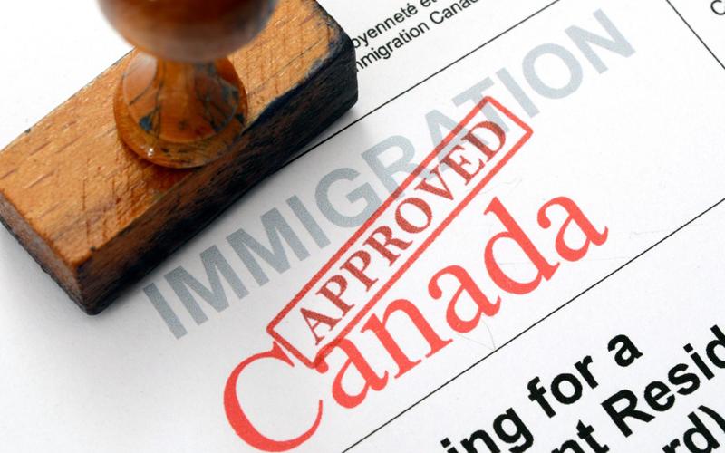giấy định cư của chính phủ Canada