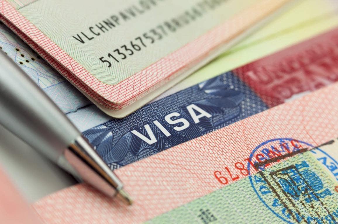 Diện xin visa du học Canada chứng minh tài chính an toàn hơn những diện kia