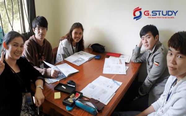 Lớp học tiếng Anh khi du học Philippines