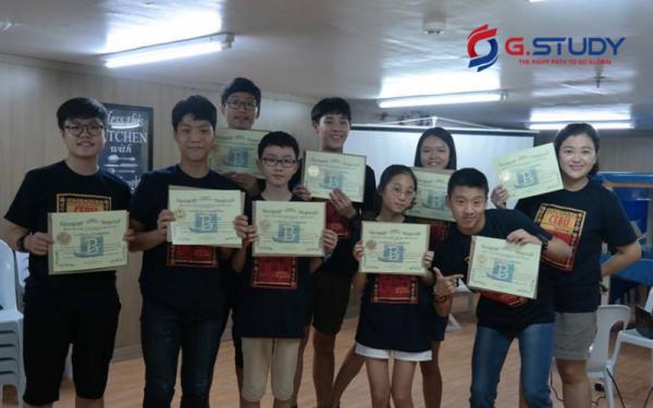 Khen thưởng học viên giỏi